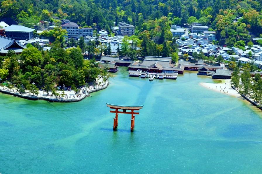 Miyajima: el santuario Itsukushima es lo que está declarado patrimonio de la humanidad
