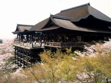 Viajes a JaponTemplo Kiyomizu Primavera Kyoto